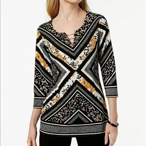 JM Collection Georgia Angles Printed Top Black MED